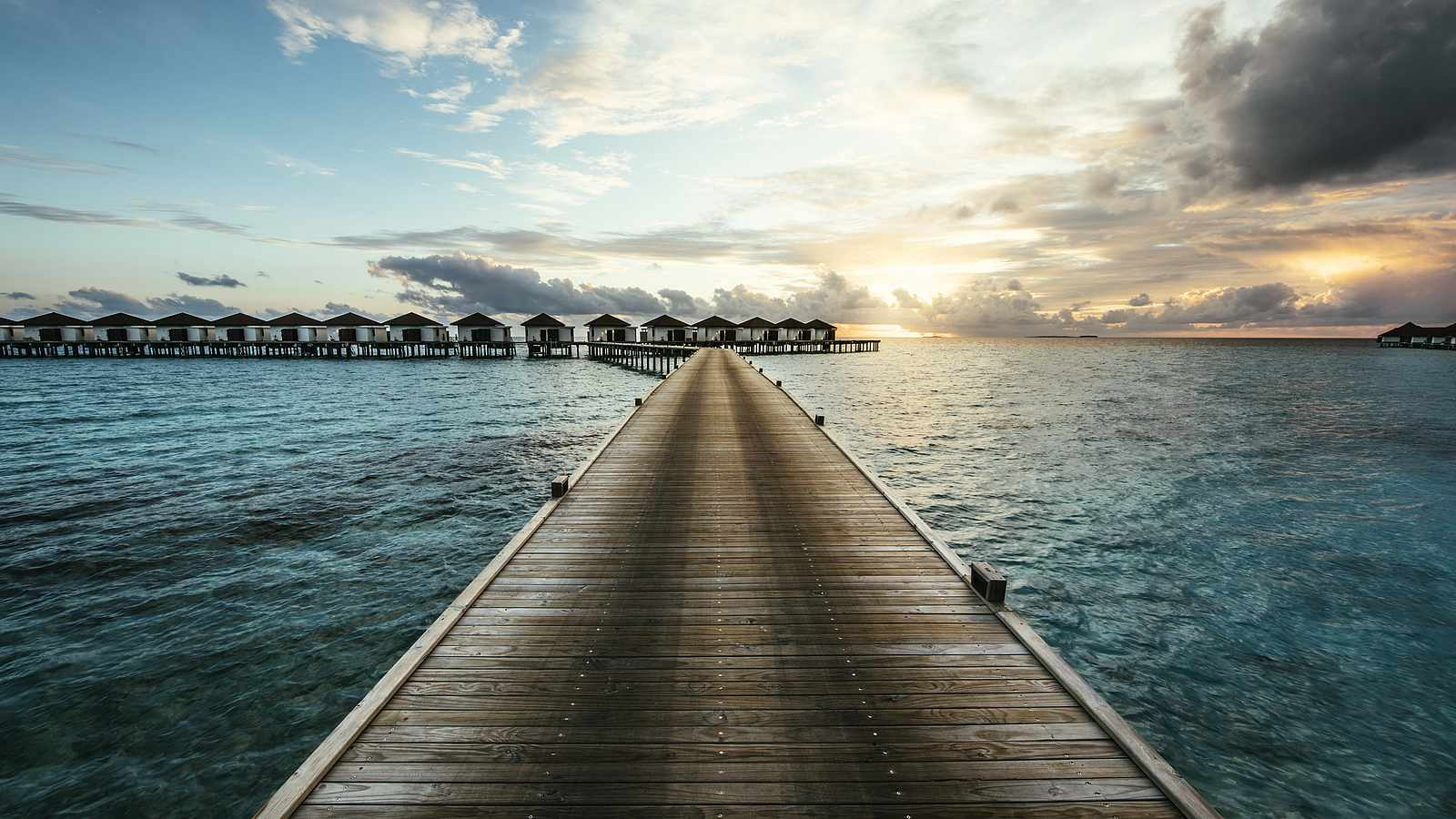 Not Only Water Sports, These 5 Incredibly Fun Things to Do in the Maldives