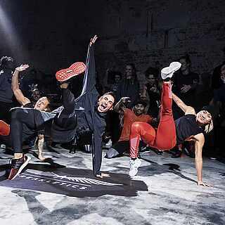 Breakletics Tänzer auf einer Bühne