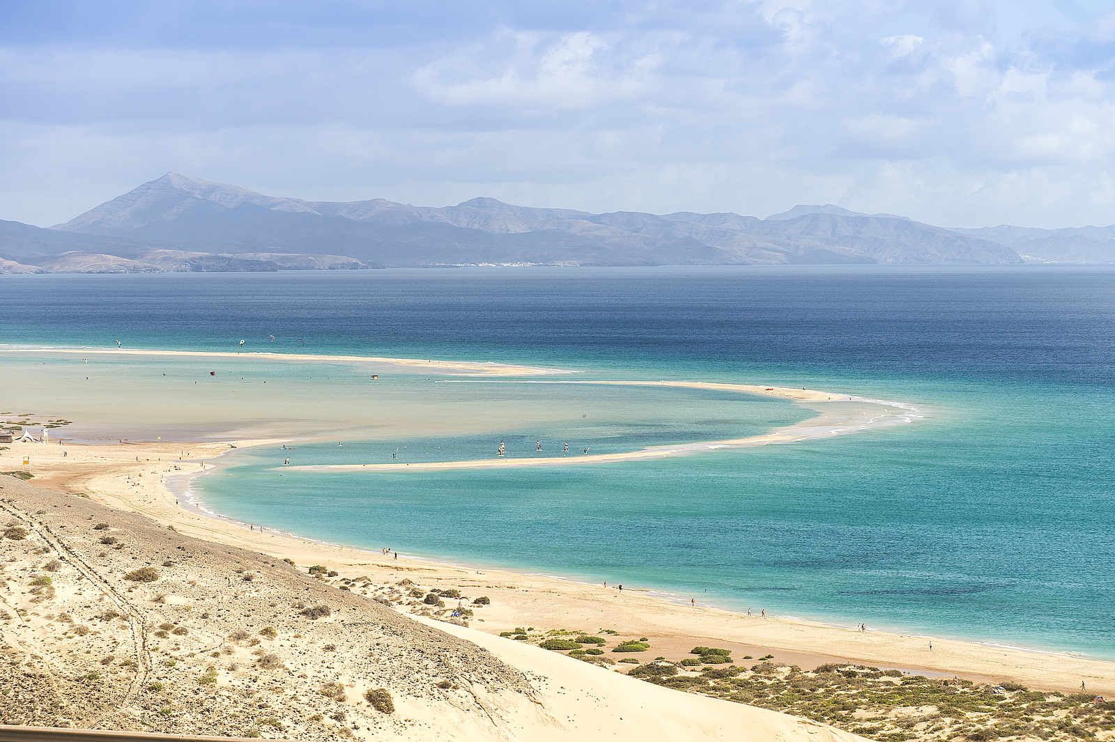 Langer feiner Sandtrand und der atlantische Ozean