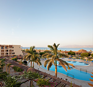 Clubanlage Blick auf Pool ROBINSON CLUB SOMA BAY Ägypten Sommer