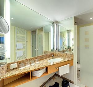 Zimmer FZX2 Bad ROBINSON CLUB FLEESENSEE, Deutschland