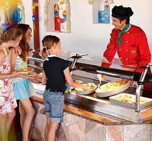 Kulinarisches Kinder Restaurant ROBINSON CLUB APULIA, Italien