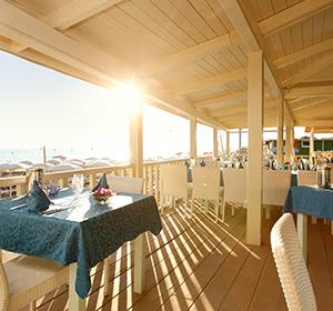 Kulinarisches Strandrestaurant ROBINSON CLUB APULIA, Italien