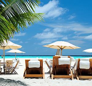 Clubanlage Strand Liegen ROBINSON CLUB MALDIVES Malediven