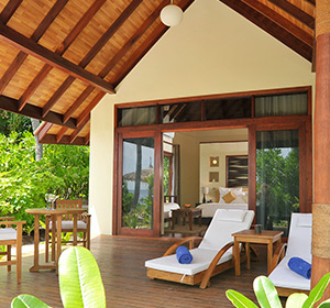 Zimmer Terrasse ROBINSON CLUB MALDIVES Malediven