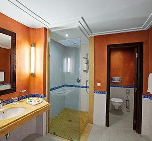 Badezimmer im Doppelzimmer DZX1/2 im ROBINSON CLUB AGADIR, Marokko