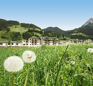 Sommer Alpenwiese ROBINSON CLUB AMADÉ Österreich