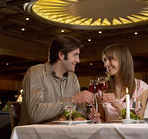 Paar im Restaurant ROBINSON CLUB AROSA Schweiz