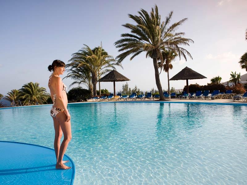 Een zomer vakantie met tal van activiteiten op club esquinzo playa - Tafelhuis van het wereld lange eiland ...