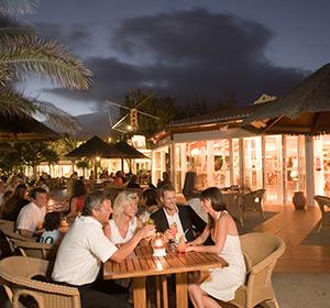 Clubanlage Bar Terrasse bei Nacht ROBINSON CLUB ESQUINZO PLAYA Fuerteventura