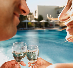 Anstoßen am Pool ROBINSON CLUB JANDIA PLAYA Fuerteventura