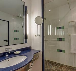 Doppelzimmer Haupthaus Meerblick (DZM1) Bad ROBINSON CLUB JANDIA PLAYA  Fuerteventura