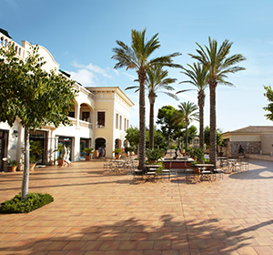 Plaza Major ROBINSON CLUB Cala Serena Mallorca