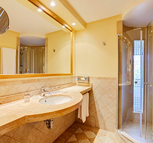 Zimmer Doppelzimmer (DZX1) Bad ROBINSON CLUB Cala Serena Mallorca bg300