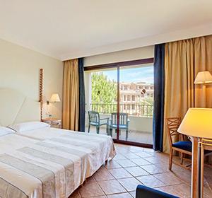 Zimmer Doppelzimmer (DZX1) Bett ROBINSON CLUB Cala Serena Mallorca
