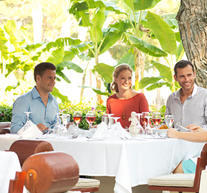 Gruppe im Restaurant ROBINSON CLUB CAMYUVA Türkei