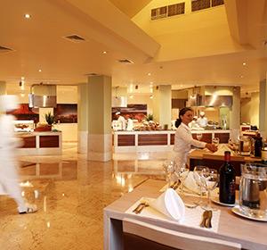 Kulinarisches Bar ROBINSON CLUB SARIGERME PARK, Türkei
