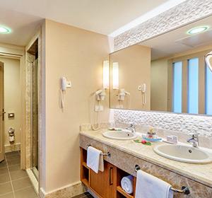Suite Meerblick Badezimmer Typ1 ROBINSON CLUB SARIGERME Türkei