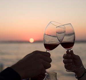 Kulinarisches Anstoßen mit Wein ROBINSON CLUB PAMFILYA, Türkei